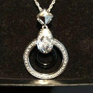 Woman's cubic circonia circle pendant